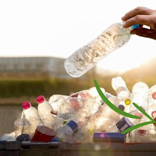 Инициатива за замяна на пластмасовите бутилки за вода за еднократна употреба с такива за многократна употреба